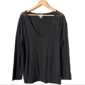 2/$15 Old Navy Black Lace V-neck T-shirt Top XXL
